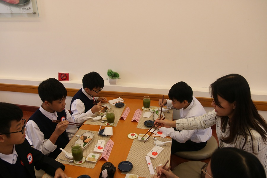 Table manner class